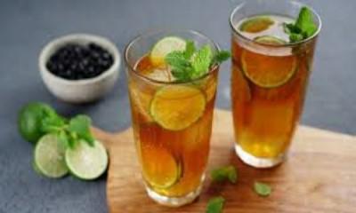 Πράσινο τσάι με μέντα και βατόμουρα